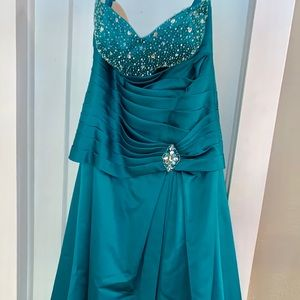 Glamorous turquoise long gown. Worn once.